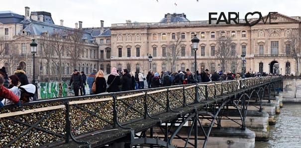 Die Liebesschloss Brucke In Paris Tausendfache Liebe